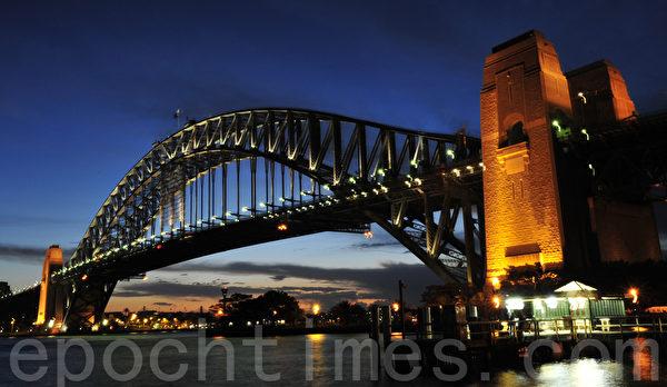 2月6日,神韻紐約藝術團在澳洲巡迴演出的第三站悉尼,拉開8天10場演出的序幕。(簡丹/大紀元)