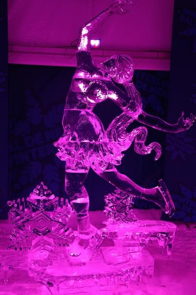 来自世界各地的冰雕艺术家为2015年渥太华国际冰雪节制作的冰雕。图为参赛作品——冰仙子(任乔生/大纪元)