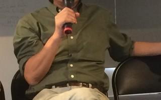 作家馮光遠宣布將參選明年新北市第一選區立委,曾在此區發起罷免吳育昇未果的他表示,「既然無法驅離出立院,那就正面單挑現任立委」。(徐翠玲/大紀元)