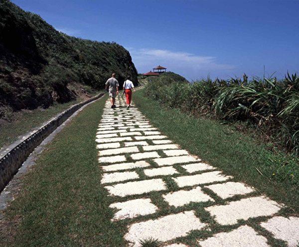 龙洞湾岬步道。(图:交通部观光局提供)