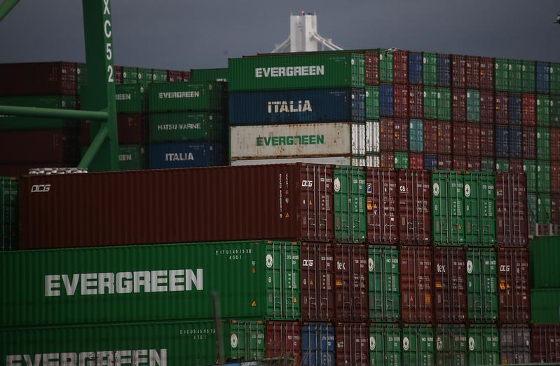 王骏:美国码头工人罢工 15万年薪是原因?