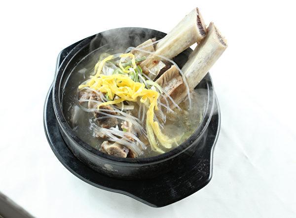 牛排汤。(张学慧/大纪元)