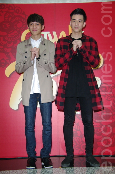 2015年凱渥於2015年2月23日在台北開工。圖為 林輝瑝(左) 林柏叡(右)。(黃宗茂/大紀元)