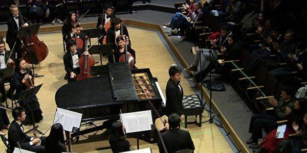 擅长钢琴的潘晖诺也在读新英格兰音乐学院的双学位。(Courtesy of Patrick Pan)