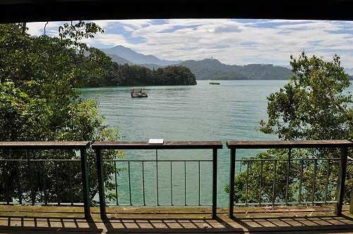 年梯步道終點-觀湖平台。 (圖片提供:tony)