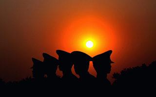 美国《国家利益》3月2日发表题为《世界末日:为中国(中共)的崩溃做好准备》的分析文章,罗列了为应对中国的政治崩溃,美国政府应当采取的措施。  (Photo by Feng Li/Getty Images)