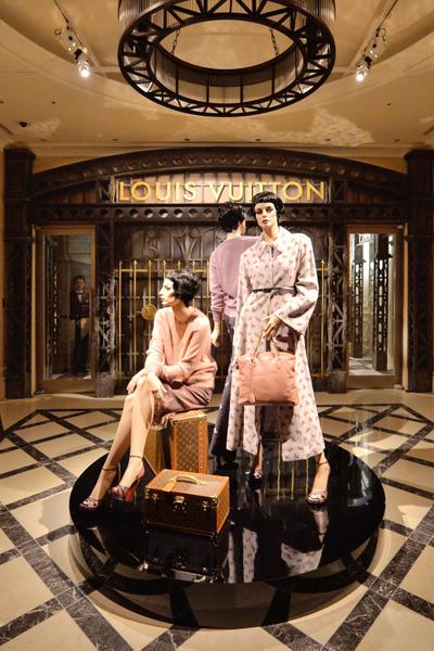 法國奢侈品牌路易威登在日本東京車站舉辦的展示會。(KAZUHIRO NOGI/AFP)