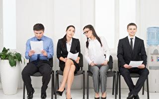 新鮮人求職屢碰壁?履歷、語言優勢成關鍵