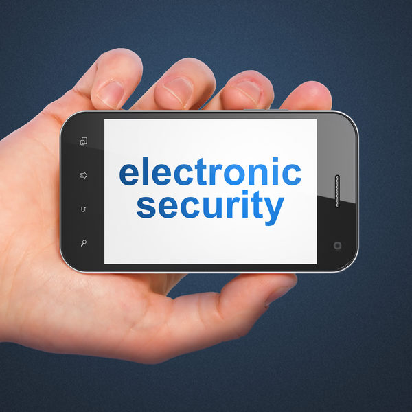 隐私权的概念:电子安全智能手机上(fotolia)