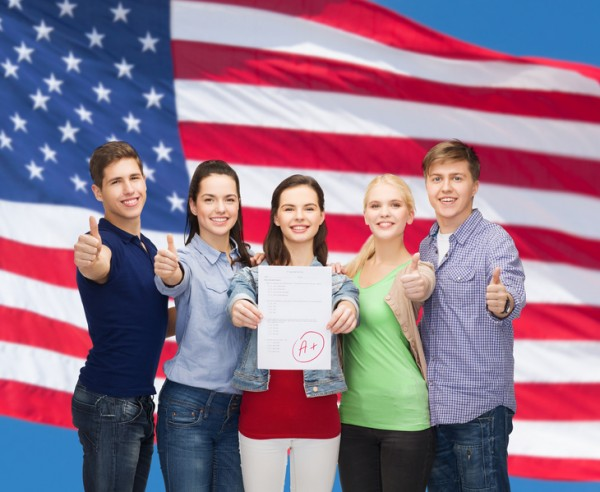 目前在美国的外国学生人数为113万,与2014年相比增加14%,比2010年增加近50%,比2005年增加85%。绝大多数外国学生在攻读本科学位。(Fotolia)