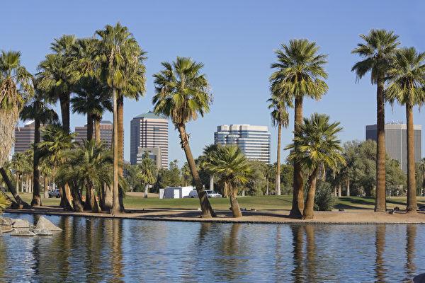 凤凰城(Phoenix)市中心。(Fotolia)