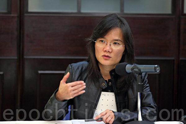 国际记联亚太区中国项目经理胡丽云(右图)担忧无线新闻失政治中立,港人失知情权。(大纪元资料图片)