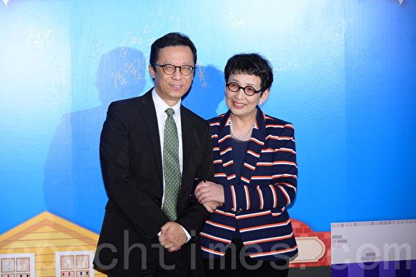 香港電視主席王維基與陳曼娜出席晚會。(宋祥龍/大紀元)