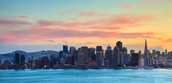一份最新的报告发现,要想在加州旧金山买房,最低年收入必须超过14万美元。(Fotolia)