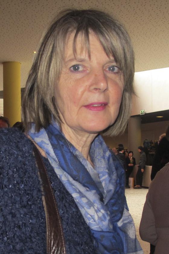 Angella女士是荷兰东部旅游贸易学校的教育主管,她赞赏神韵演出美妙优雅,色彩赏心悦目。(麦蕾/大纪元)