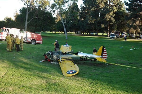《星球大戰》男一號、美國著名影星哈里森.福特(Harrison Ford)3月5日駕駛的一架小型飛機墜落在加利福尼亞州洛杉磯郊外,目前他傷勢穩定。圖:事故現場(JONATHAN ALCORN/AFP/Getty Images)