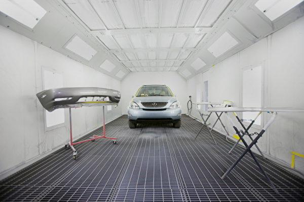 JP車身修理廠的高級噴漆房。(JP提供)