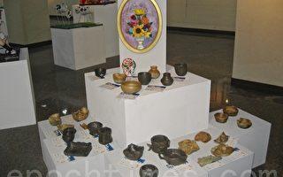 明仁国中美术班毕业美展的陶艺雕塑。(陈文敏 /大纪元)