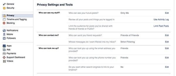 """脸书的""""隐私设定与工具""""(Privacy Settings and Tools)的菜单。(广元/大纪元)"""