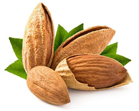 杏仁也属于坚果的一种。(fotolia)