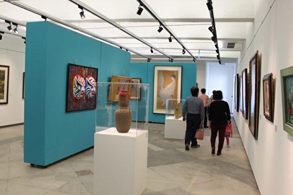 """宜兰美术馆于试营运期间展出""""风华.再现—宜兰美展三十年""""。(宜兰文化局提供)"""