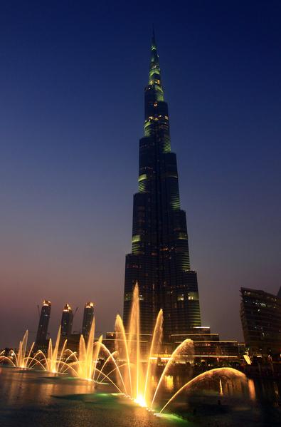 迪拜的哈利法塔和迪拜喷泉(JOEL SAGET/AFP/GettyImages)