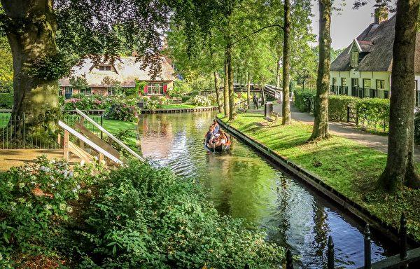荷兰羊角村温暖静谧。(shutterstock)