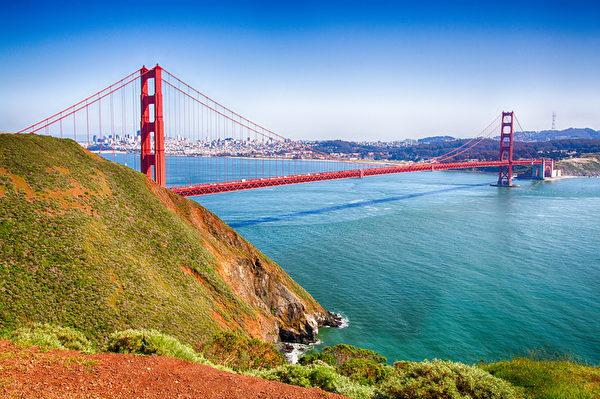 金门大桥和旧金山湾美景。(fotolia)