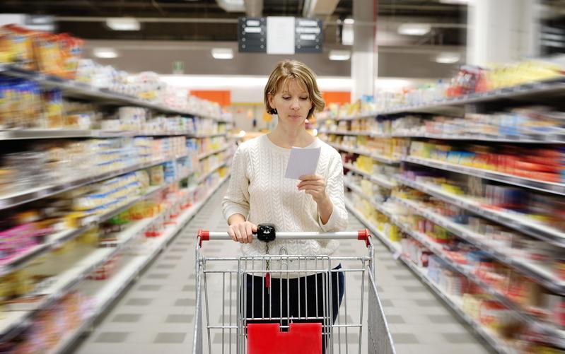超市中的食物琳琅滿目,但並不是每種食物都是健康,有些甚至會對人體健康構成極大的危害。(fotolia)
