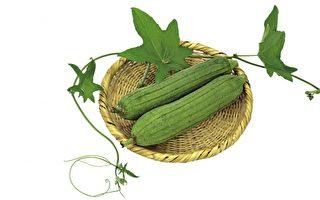 絲瓜汁有美容效果,是一種天然的美容劑,具有消除雀斑、增白皮膚、袪除皺紋的作用。(Fotolia)