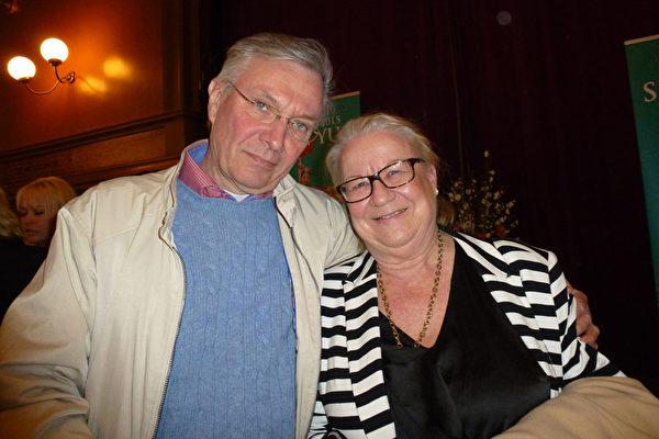 Ann-Christin Widinghoff女士是北欧最大婚礼展的创始人和组织者,公司总裁。她和丈夫Börje Johansson一同观看了4月6日的神韵演出。(林达/大纪元)