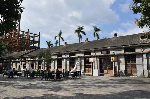 餐廳。原為專賣局松山煙草工場機械修理廠。(圖片提供:tony)