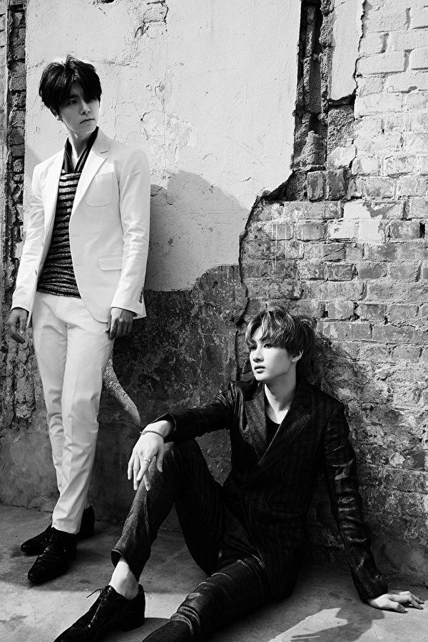 东海、银赫所组成的双人组Super Junior-D&E。(avex提供)