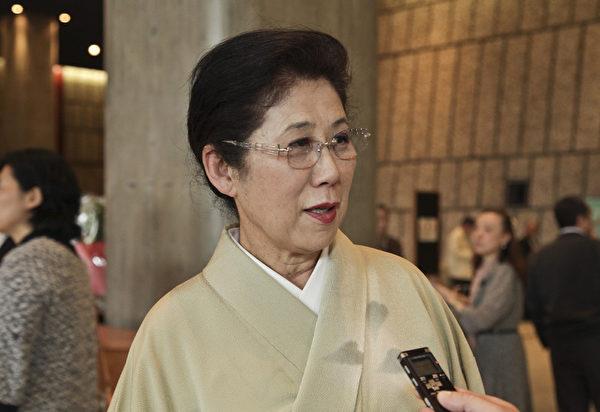 2015年4月20日,經營日本傳統風情賓館的西村勝(Nishimura Masaru)社長和夫人西村明美(Nishimura Akemi)聽朋友介紹神韻後專程從京都趕來東京觀賞演出。(余鋼/大紀元)