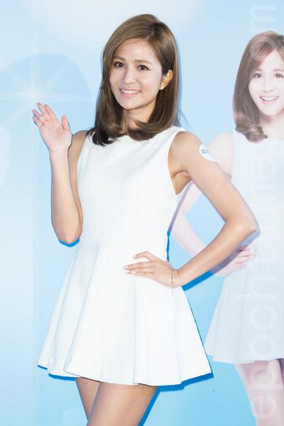 藝人吳怡霈4月21日在台北出席醫美活動,她透露自己勤打醫美微整保養美肌。(陳柏州/大紀元)