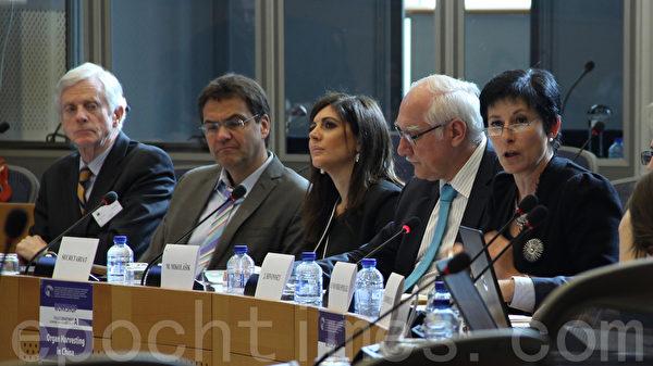 2015年4月21日,歐洲會議舉辦「中共活摘器官」國際研討會,歐盟三大機構的官員與相關的國際組織、機構及專家等共同探討如何儘快制止這一罪行。(林文萱/大紀元)
