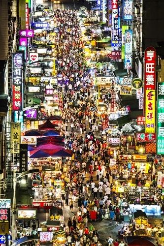 高雄六合夜市。(摄影:吴玉麟 /台湾观光局提供)