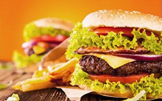 很多華人不知道的是,漢堡包也是燒烤的美味之一。(fotolia)