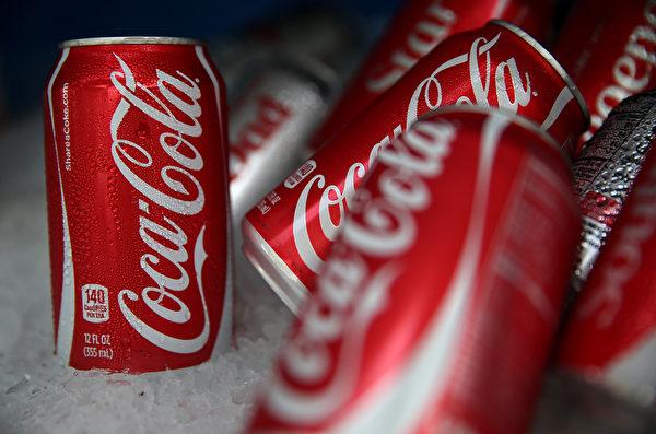 可口可樂連續三年蟬聯榜首。(Justin Sullivan/Getty Images)