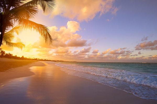 普吉岛海滩日出美景(fotolia)