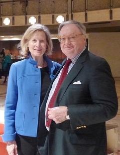 2015年1月14日晚,银行家Urfer先生和太太观看了纽约林肯中心的神韵演出。(徐竹思/大纪元)