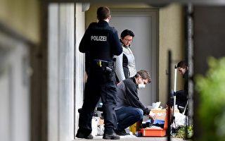 德国警方30日表示,在法兰克福附近逮捕两名嫌犯,并在其住所发现武器及爆炸物品。警方称,他们阻止了一场恐怖袭击,原定5月1日在这一带举行的自行车赛也临时取消。(BORIS ROESSLER/AFP/Getty Images)