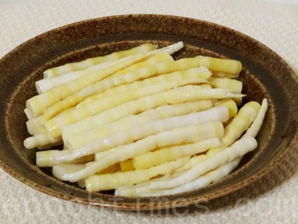 鞭笋或竹笋是糟烩鞭笋的主要食材。(彩霞/大纪元)