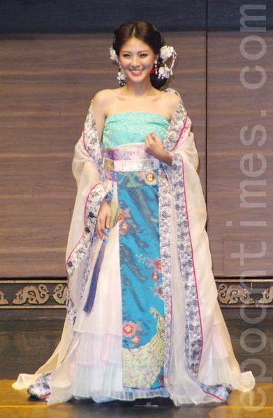 舞台剧《情人哏里出西施》于2015年5月7日在台北彩排。图为卓文萱。(黄宗茂/大纪元)