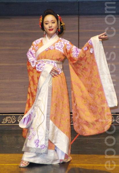 舞台剧《情人哏里出西施》于2015年5月7日在台北彩排。图为高慧君。(黄宗茂/大纪元)