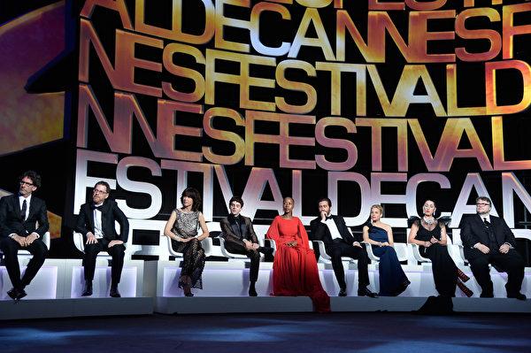 第68届戛纳电影节大会评审团出席开幕红毯仪式。(Pascal Le Segretain/Getty Images)