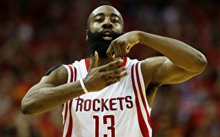 哈登在火箭球迷MVP喊声中,得到31分7篮板8助攻。(Scott Halleran/Getty Images)