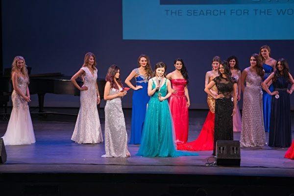 世界小姐加拿大区决赛(Miss World Canada)5月16日在温哥华举行,多伦多华裔女孩Anastasia Lin脱颖而出,荣获冠军。(大纪元)