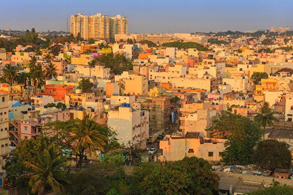 班加羅爾吸引了大量高科技富豪,作為印度硅谷,這座800萬人口的繁華城市,成為國際IT公司和本土IT公司的聚集地。(fotolia)