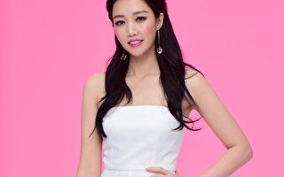 歌手A-Lin抽空拍摄MV。(Sony Music提供)